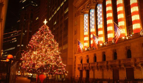 US STOCKS-Wall St idle near record levels in Christmas Eve trade
