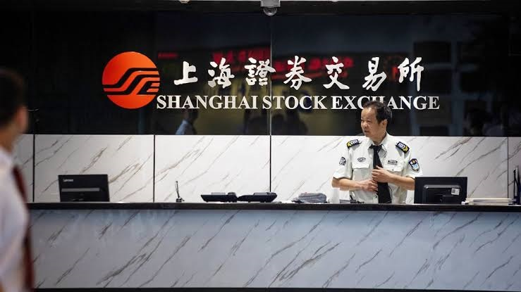 Shanghai stocks pop on the first day of trading in 2020