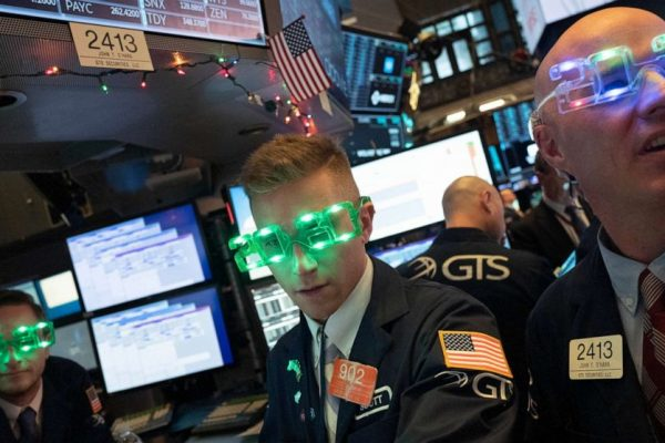 Stocks post biggest 1-year gain since 2013