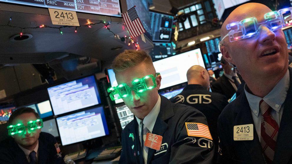 Stocks post biggest 1-year gain since 2013