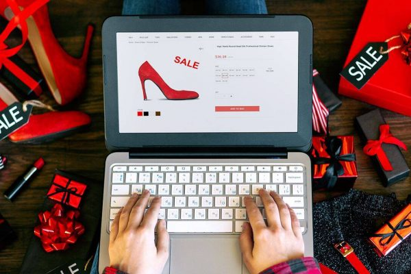 Online sales record leads holiday shopping surge